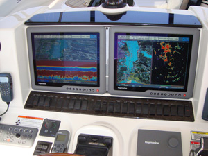 Two G15 displays on a 52 Searay