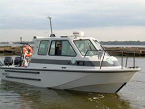Texas Parks and Wildlife research vessel with Raymarine E120, 2Kw digital radar and AIS